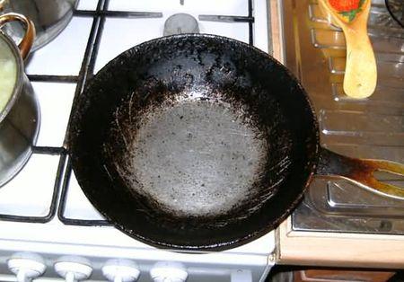 Новосибирец убил свою супругу двумя ударами сковородкой