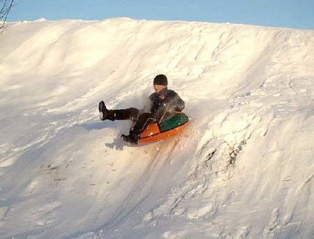 Погиб, катаясь на тюбинге. В Нижнем Новгороде устанавливают обстоятельства смерти 13-летнего мальчика