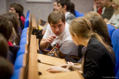 Молодая Гвардия создаст Фонд помощи студентам