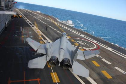 Единственный русский авианосец «Адмирал Кузнецов» отправился вСредиземное море
