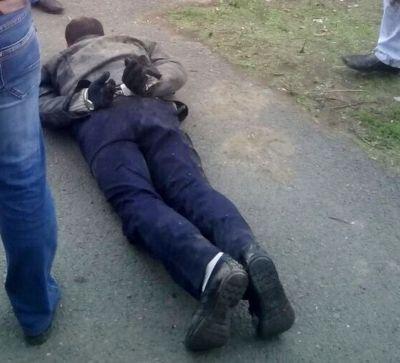 ВАчинске продавщицы цветов задержали вооруженного преступника