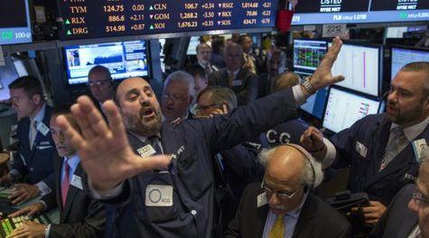 Победа Дональда Трампа обвалила фондовые индексы идоллар— Рынки впанике