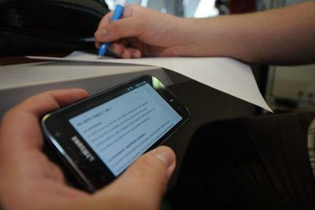 Вшколах могут массово установить «глушилки» мобильной связи
