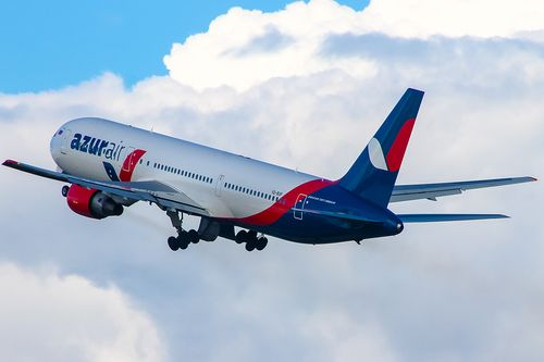 Авиакомпанию оштрафовали на 100 000 зазадержку рейса изНовокузнецка воВьетнам