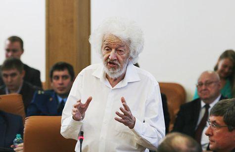 ВКрасноярске скончался профессор Рем Хлебопрос