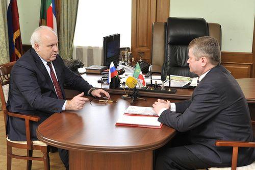 Губернатор Хакасии назвал главу Ширинского района аферистом и приказал «убрать его с дороги»