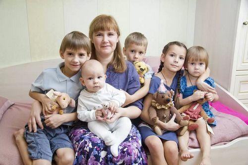 Пенсионный фонд Севастополя разъяснил правила ухода напенсию для многодетных матерей