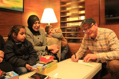 Марат Башаров подписал документы обопеке над сирийскими детьми-беженцами