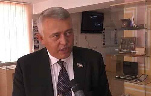 Хакасский парламентарий предложил выразить недоверие правительству Коновалова