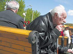 Сколько платят опекуну за недееспособным пенсионером