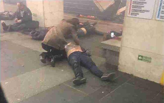 В итоге  взрыва вметро Петербурга есть погибшие