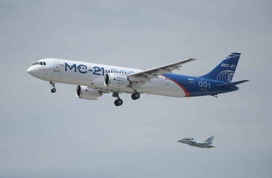 МС-21 и Як-130